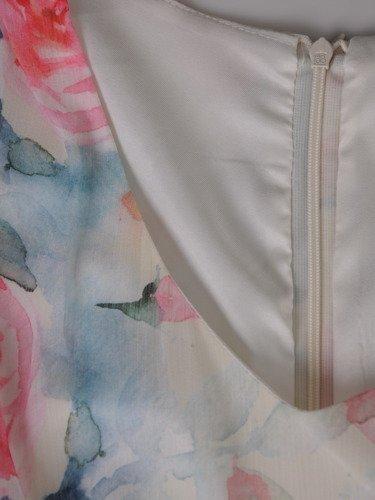 Sukienka damska 16273, zwiewna kreacja w kwiaty.
