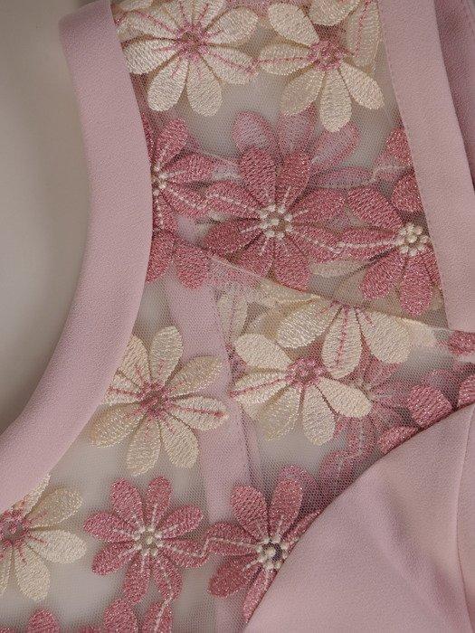 Sukienka damska Bożenna, elegancka kreacja z ozdobnym karczkiem.