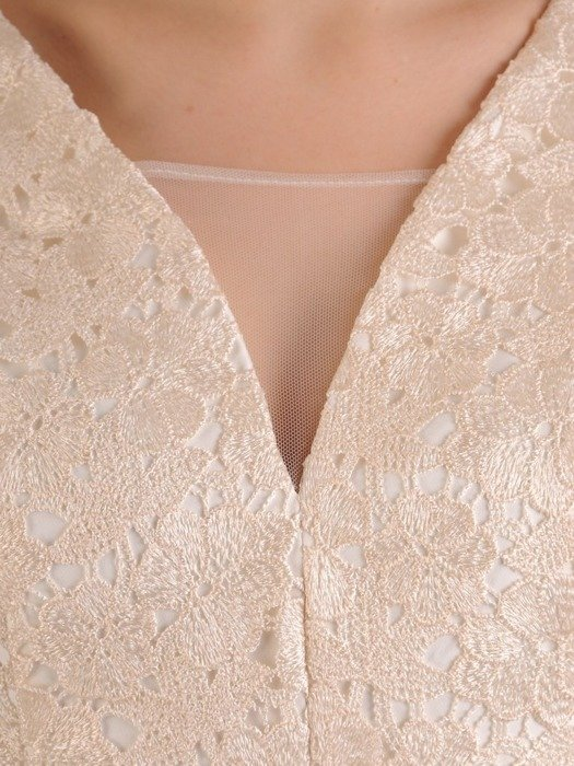 Sukienka damska, kremowa kreacja na wesele 25105