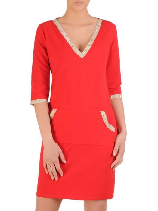 Sukienka damska wykończona połyskującymi taśmami 29466