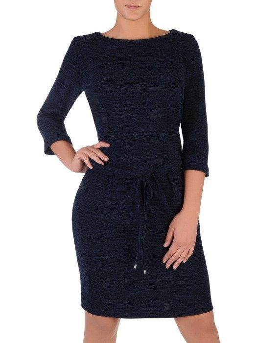 Sukienka dzianinowa Wanda V, modna kreacja z wiązaniem w talii.