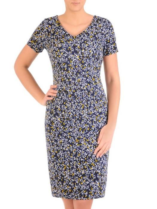 Sukienka w ciekawy wzór, prosty fason z dekoltem w serek 28835