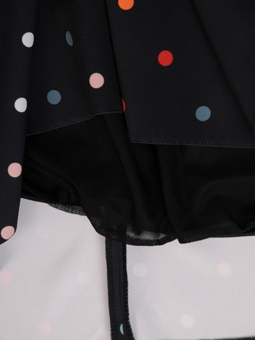 Sukienka w groszki 19777, czarna kreacja w luźnym fasonie 19777.