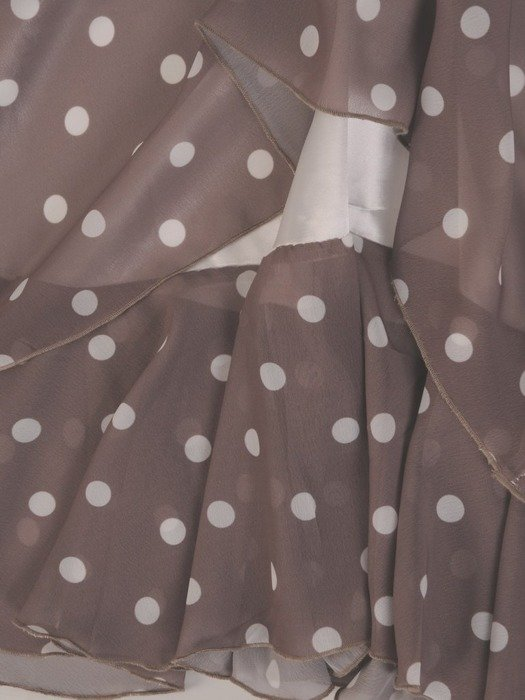 Sukienka w groszki, luźna kreacja z szyfonu 26228