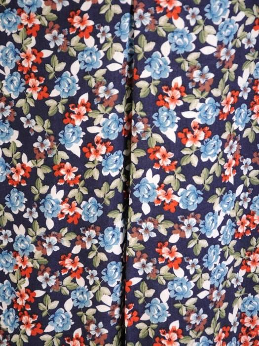 Sukienka w kwiaty, letnia kreacja z tkaniny 30173