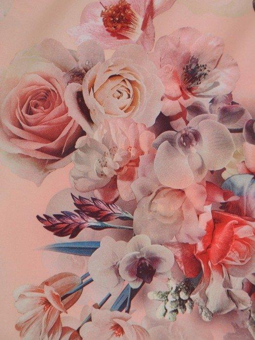 Sukienka w kwiaty, prosta kreacja z tkaniny 26657