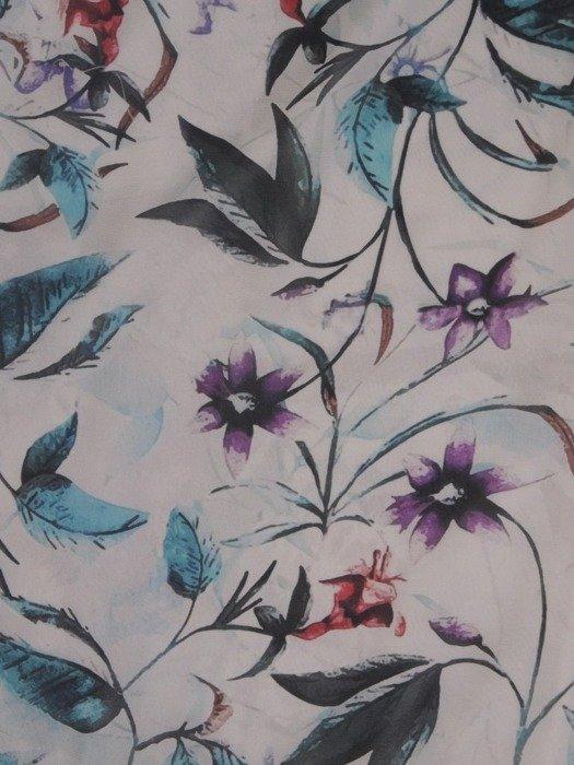 Sukienka w kwiaty, zwiewna kreacja z falbanami 25440