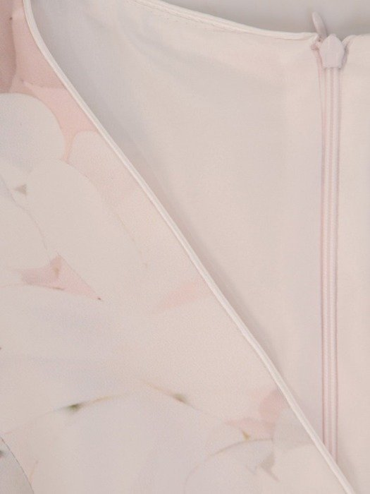 Sukienka wyjściowa, elegancka kreacja w kwiaty 26023