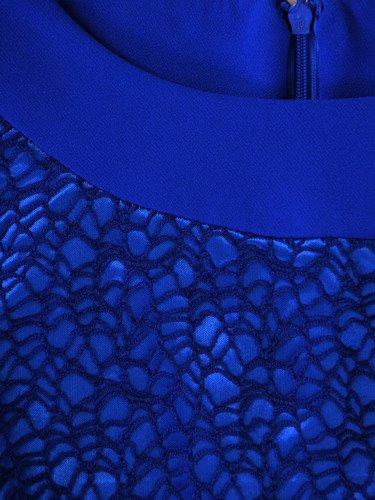 Sukienka z błyszczącej koronki Małgorzata IV, wyszczuplająca kreacja wieczorowa.