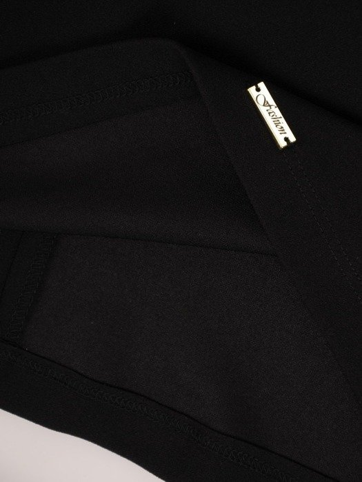 Sukienka z dzianiny, czarna kreacja z modną aplikacją 25684