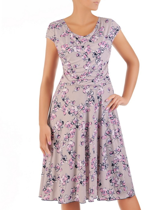 """Sukienka z dzianiny, rozkloszowana kreacja z dekoltem typu """"woda"""" 21668."""