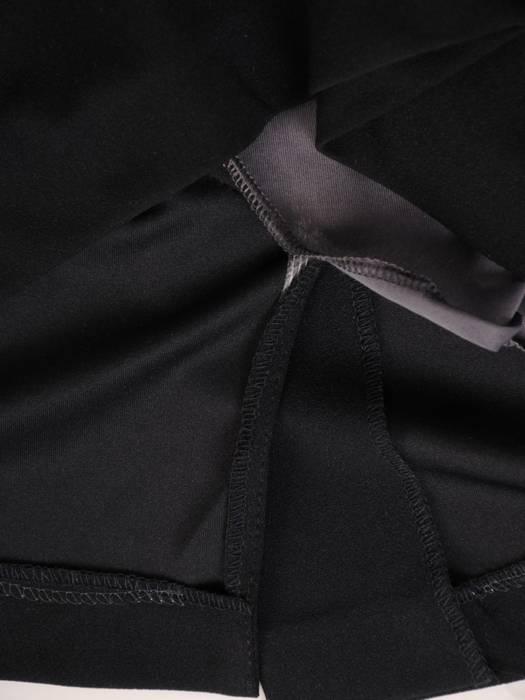 Sukienka z imitacją żakietu, prosta kreacja z ozdobnym kołnierzem 28315