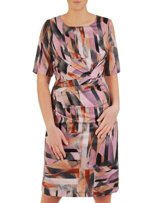 Sukienka z modnymi, wyszczuplającymi zakładkami 25036