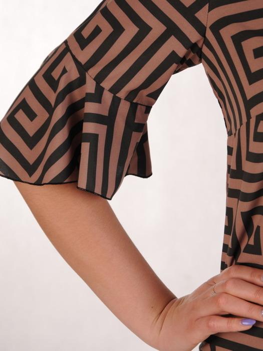 Sukienka z tkaniny, wiosenna kreacja w geometrycznym wzorze 20477.