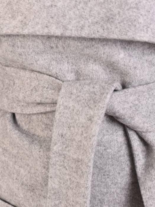 Szary płaszcz damski wiązany w pasie 29011