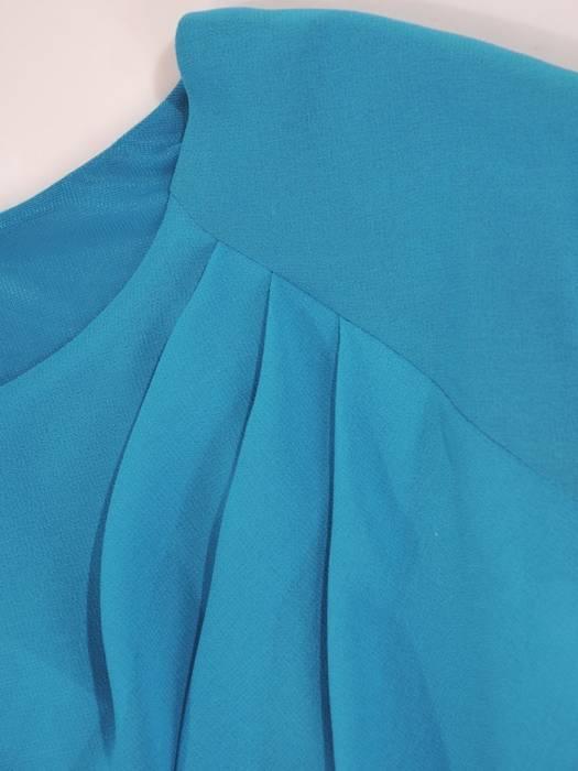 Szyfonowa, rozkloszowana sukienka z wyszczuplającymi zakładkami 30142