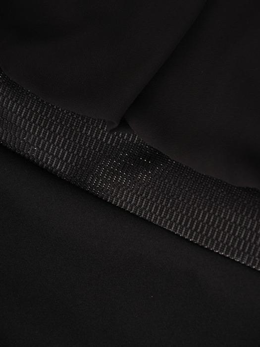 Szyfonowa sukienka z połyskującą listwą, luźna kreacja w modnym fasonie 21831