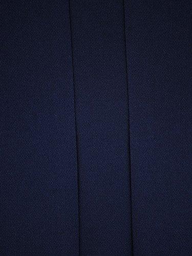 Wyszczuplająca sukienka tuba Sylwina II, kreacja z wysmuklającymi klinami.
