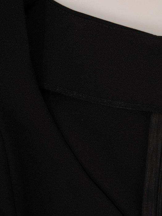 Wyszczuplająca sukienka z asymetrycznymi zakładkami 19335