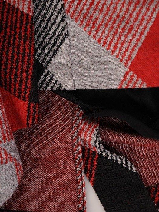 Wyszczuplająca sukienka z dzianiny, kreacja w modną kratę 23520