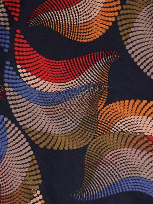 Wzorzysta sukienka z modną, asymetryczną falbaną 27401