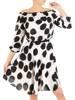 Czarno biała sukienka z odkrytymi ramionami 29388