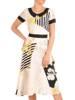 Sukienka z kontrastowym, pensjonarskim kołnierzem 29841